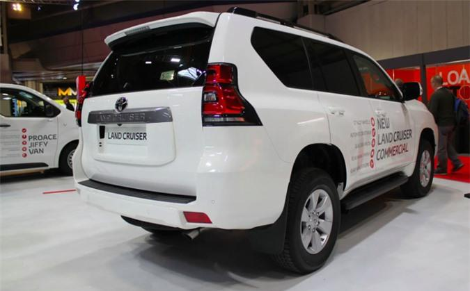 Chi tiết Toyota Land Cruiser Commercial, giá gần 1 tỷ đồng Ảnh 4