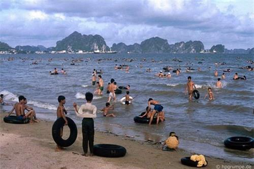 Kho ảnh khổng lồ về Việt Nam 1991-1993: Thiên đường Hạ Long Ảnh 4