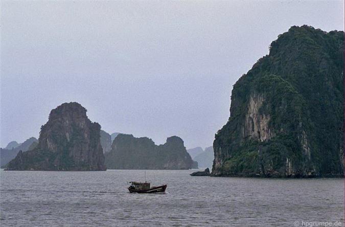 Kho ảnh khổng lồ về Việt Nam 1991-1993: Thiên đường Hạ Long Ảnh 9