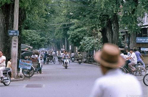Kho ảnh khổng lồ về Việt Nam 1991-1993: Giao thông Sài Gòn Ảnh 18
