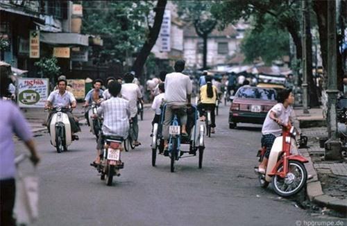 Kho ảnh khổng lồ về Việt Nam 1991-1993: Giao thông Sài Gòn Ảnh 13