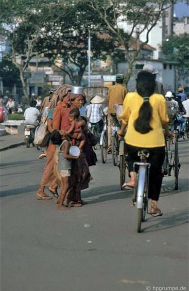 Kho ảnh khổng lồ về Việt Nam 1991-1993: Giao thông Sài Gòn Ảnh 15