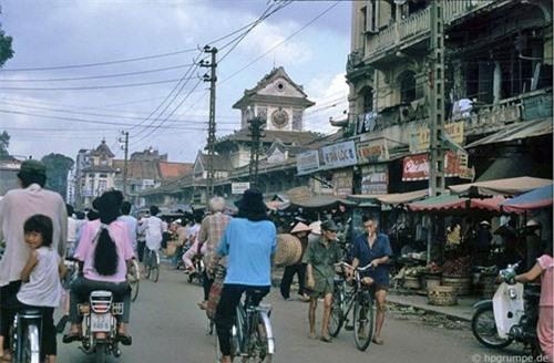 Kho ảnh khổng lồ về Việt Nam 1991-1993: Giao thông Sài Gòn Ảnh 16