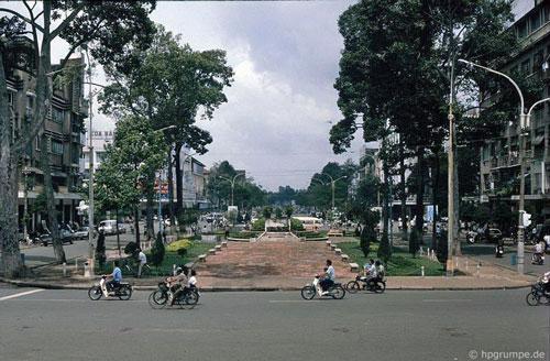 Kho ảnh khổng lồ về Việt Nam 1991-1993: Giao thông Sài Gòn Ảnh 1