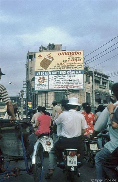 Kho ảnh khổng lồ về Việt Nam 1991-1993: Giao thông Sài Gòn Ảnh 14