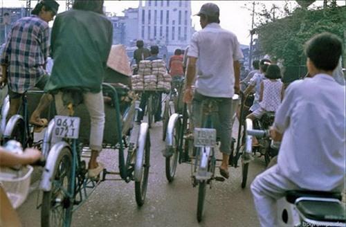Kho ảnh khổng lồ về Việt Nam 1991-1993: Giao thông Sài Gòn Ảnh 5