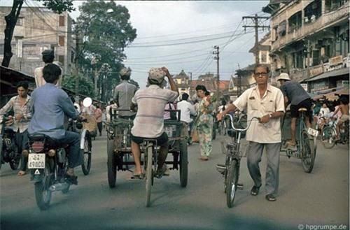 Kho ảnh khổng lồ về Việt Nam 1991-1993: Giao thông Sài Gòn Ảnh 7