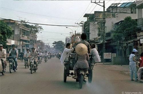 Kho ảnh khổng lồ về Việt Nam 1991-1993: Giao thông Sài Gòn Ảnh 8