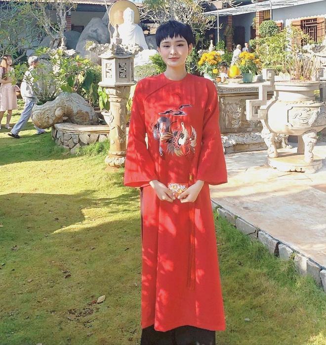 Chị em Thiều Bảo Trâm mặc áo dài chụp ảnh kỷ niệm Tết Ảnh 7