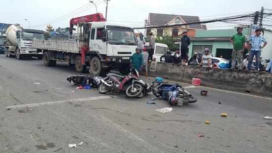 4 ngày nghỉ Tết cả nước xảy ra 105 vụ tai nạn giao thông Ảnh 1