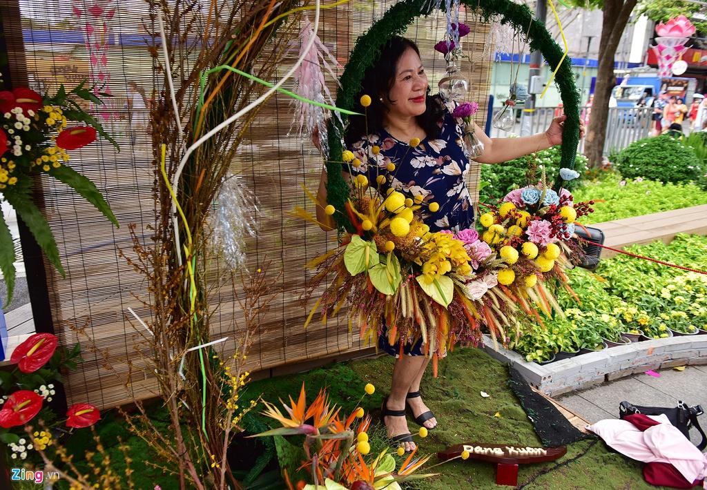 Chưa hết Tết, hàng trăm chậu hoa bị đạp nát ở đường hoa Nguyễn Huệ Ảnh 8