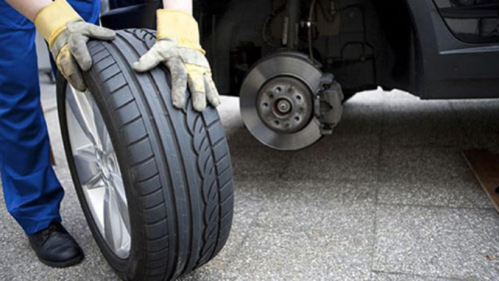 Lốp xe ô tô dự phòng nhỏ hơn lốp chính, vì sao? Ảnh 1
