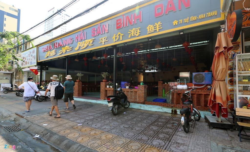 Đường vắng, quán đóng cửa khi ngưng đón khách Trung Quốc ở Nha Trang Ảnh 6