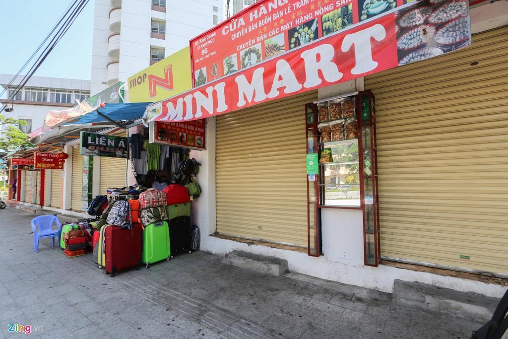 Đường vắng, quán đóng cửa khi ngưng đón khách Trung Quốc ở Nha Trang Ảnh 2