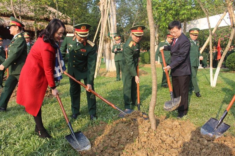 Các đơn vị quân đội tổ chức phát động 'Tết trồng cây đời đời nhớ ơn Bác Hồ' Xuân Canh Tý 2020 Ảnh 3