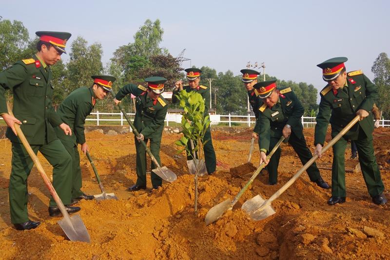 Các đơn vị quân đội tổ chức phát động 'Tết trồng cây đời đời nhớ ơn Bác Hồ' Xuân Canh Tý 2020 Ảnh 1