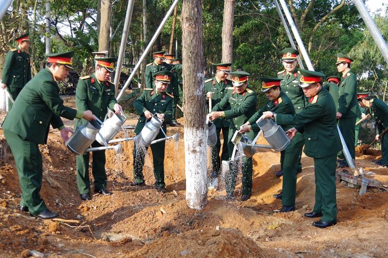 Các đơn vị quân đội tổ chức phát động 'Tết trồng cây đời đời nhớ ơn Bác Hồ' Xuân Canh Tý 2020 Ảnh 4