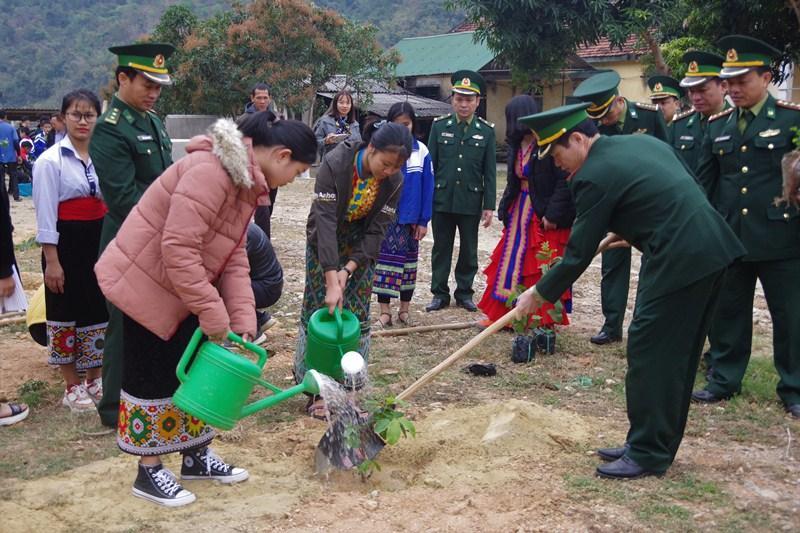 Các đơn vị quân đội tổ chức phát động 'Tết trồng cây đời đời nhớ ơn Bác Hồ' Xuân Canh Tý 2020 Ảnh 2