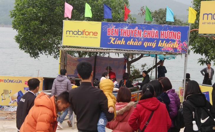 Hà Tĩnh: Hàng nghìn du khách về khai hội chùa Hương Tích Ảnh 4