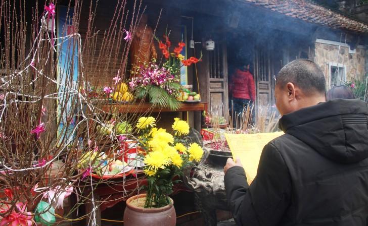 Hà Tĩnh: Hàng nghìn du khách về khai hội chùa Hương Tích Ảnh 12