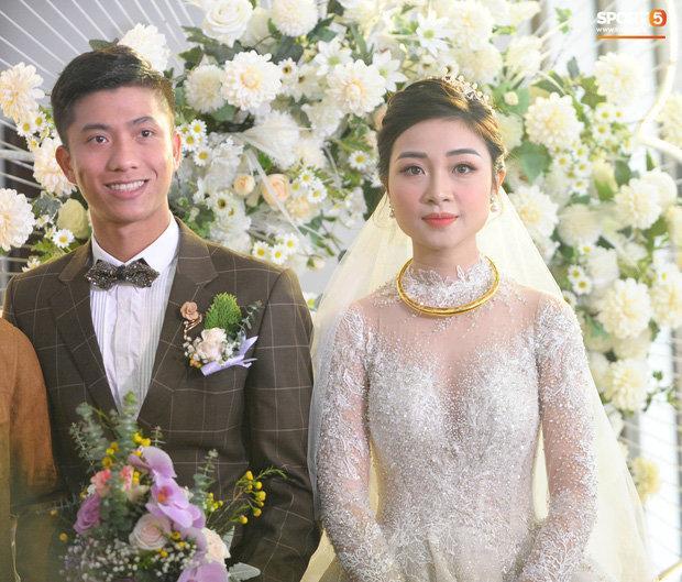 Cô dâu Nhật Linh xinh đẹp bên chú rể Văn Đức trong ngày cưới Ảnh 1