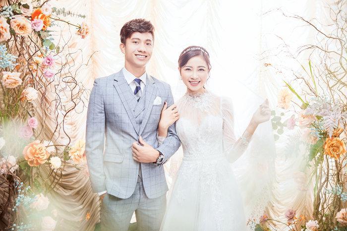 Cô dâu Nhật Linh xinh đẹp bên chú rể Văn Đức trong ngày cưới Ảnh 5