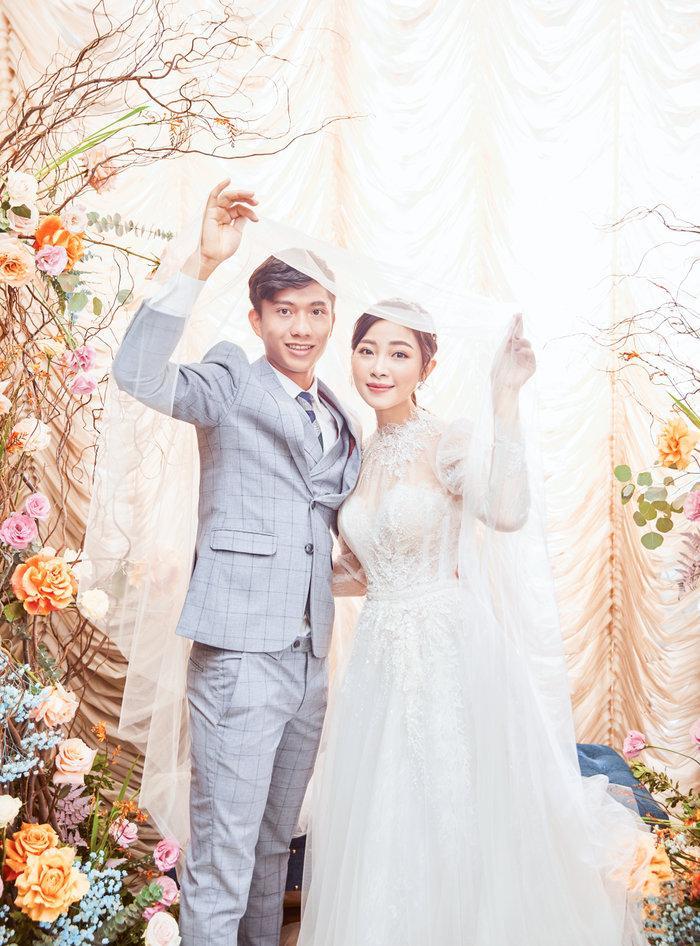 Cô dâu Nhật Linh xinh đẹp bên chú rể Văn Đức trong ngày cưới Ảnh 4