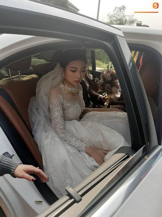 Cô dâu Nhật Linh xinh đẹp bên chú rể Văn Đức trong ngày cưới Ảnh 3