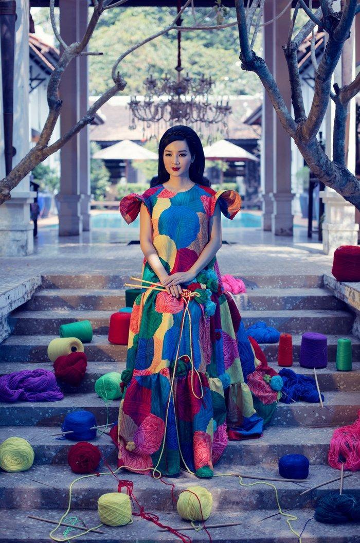 Hoa hậu Giáng My hóa nữ hoàng quyến rũ đẹp sắc sảo trong bộ ảnh đầu năm Ảnh 2
