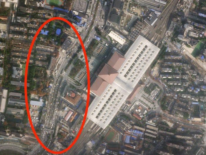Kinh ngạc Vũ Hán trước và sau khi trở thành 'thành phố ma' Ảnh 3