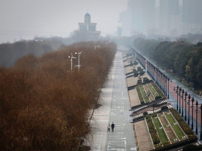 Kinh ngạc Vũ Hán trước và sau khi trở thành 'thành phố ma' Ảnh 12