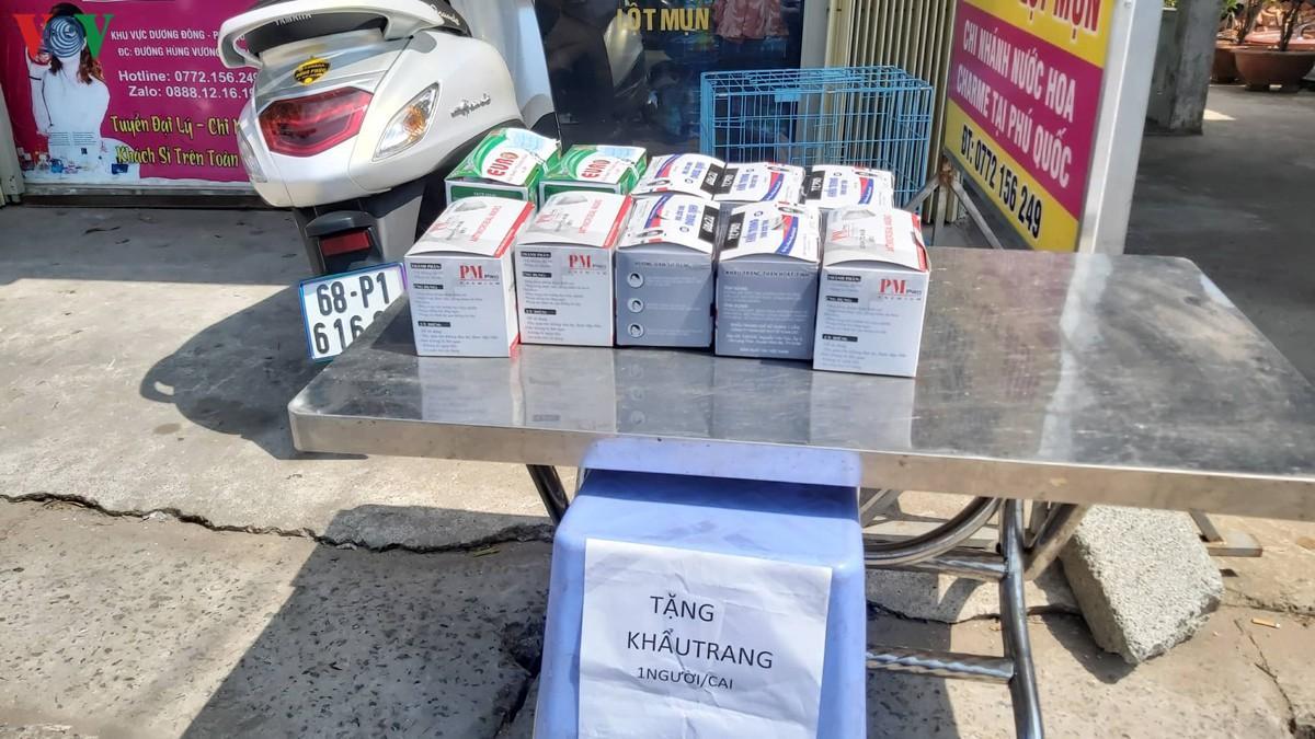 Kiên Giang kiểm tra, giám sát 142 cơ sở kinh doanh khẩu trang y tế Ảnh 3