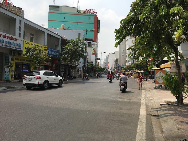 Khách đổ đồn vào TP.HCM sau Tết, sân bay Tân Sơn Nhất ách tắt Ảnh 10