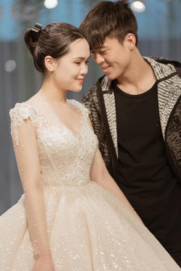 Hé lộ hình ảnh đầu tiên về chiếc váy cưới của Quỳnh Anh trước ngày lên xe hoa với Duy Mạnh Ảnh 2