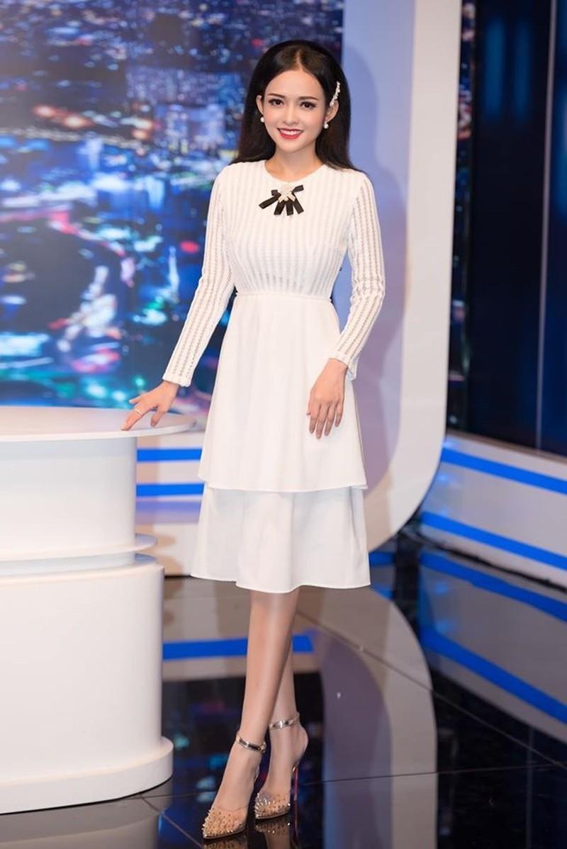 Học BTV đài VTV, ANTV cách lên đồ xinh xuất sắc ngày xuân Ảnh 7