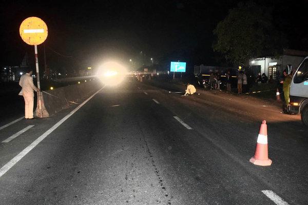 Đi bộ qua đường, người đàn ông bị xe máy tông tử vong ở Quảng Trị Ảnh 1