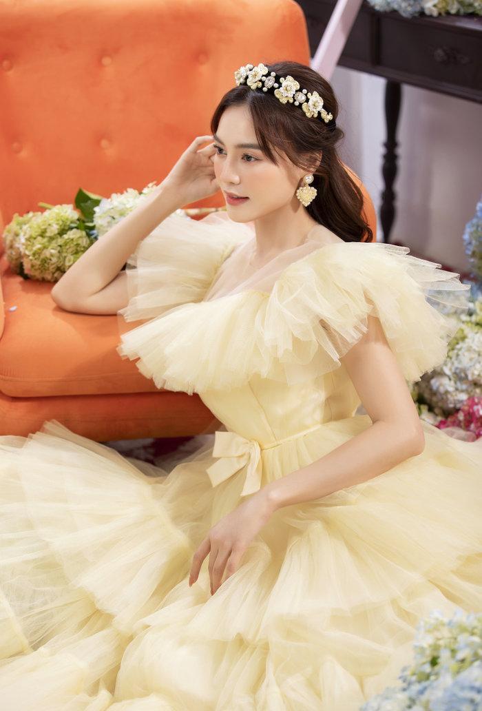 Chán ăn diện sang chảnh, Ninh Dương Lan Ngọc bỗng xinh như tiên nữ với váy bánh bèo Ảnh 6
