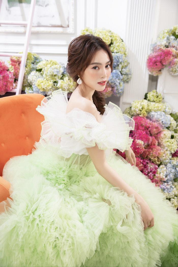 Chán ăn diện sang chảnh, Ninh Dương Lan Ngọc bỗng xinh như tiên nữ với váy bánh bèo Ảnh 11