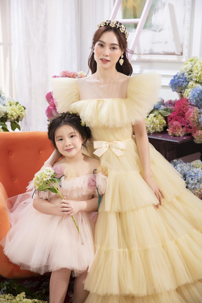 Chán ăn diện sang chảnh, Ninh Dương Lan Ngọc bỗng xinh như tiên nữ với váy bánh bèo Ảnh 5
