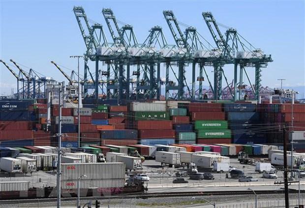 Thâm hụt thương mại của Mỹ giảm lần đầu tiên trong 6 năm Ảnh 1