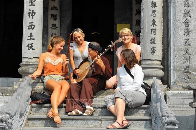 Việt Nam lọt top 10 quốc gia tăng trưởng du lịch nhanh nhất thế giới Ảnh 1