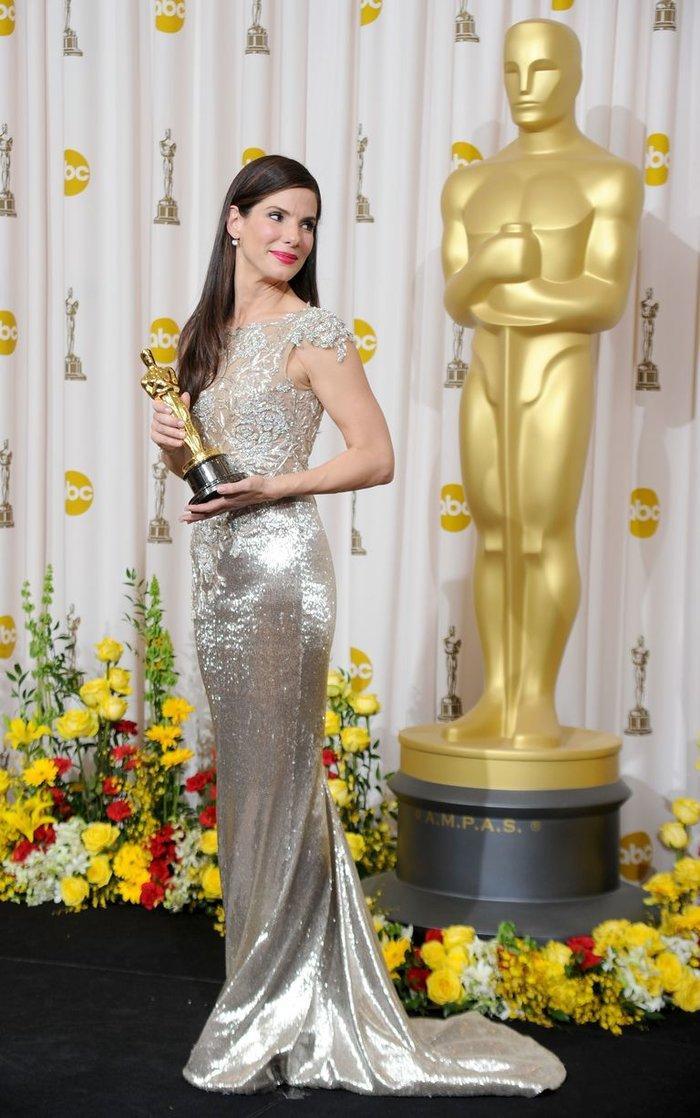 Anne Hathaway, Charlize Theron, Nicole Kidman, Angelina Jolie…mặc gì trong lần đầu tiên nhận giải Oscar? Ảnh 12