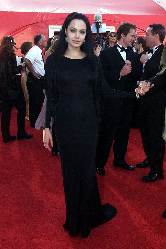 Anne Hathaway, Charlize Theron, Nicole Kidman, Angelina Jolie…mặc gì trong lần đầu tiên nhận giải Oscar? Ảnh 6