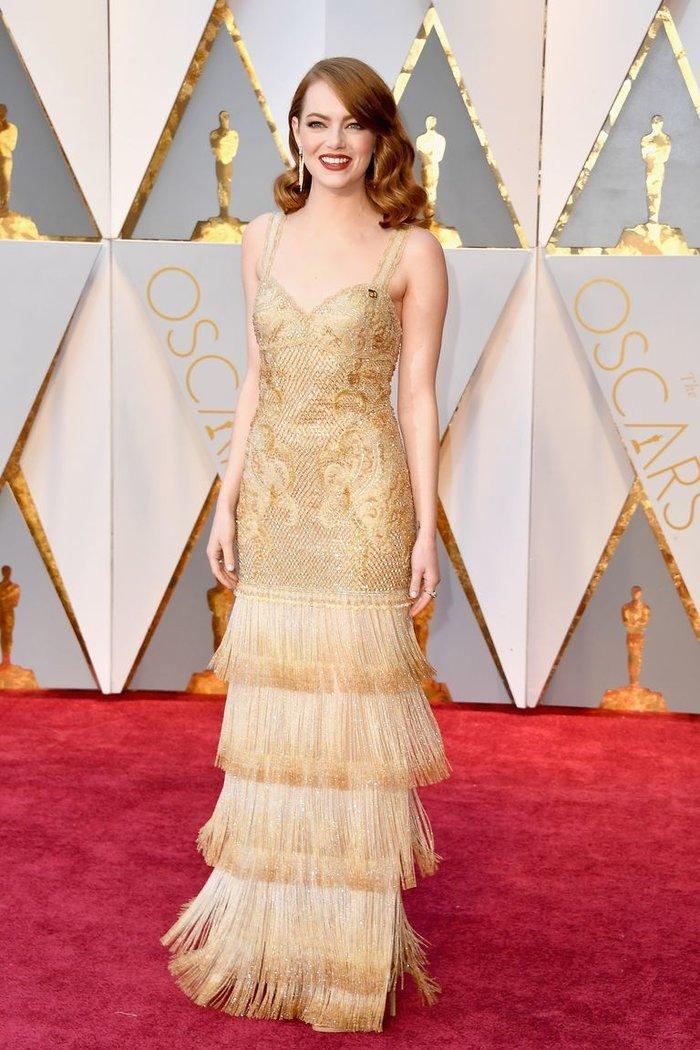 Anne Hathaway, Charlize Theron, Nicole Kidman, Angelina Jolie…mặc gì trong lần đầu tiên nhận giải Oscar? Ảnh 17