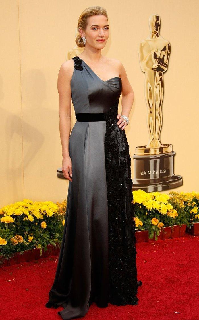 Anne Hathaway, Charlize Theron, Nicole Kidman, Angelina Jolie…mặc gì trong lần đầu tiên nhận giải Oscar? Ảnh 11