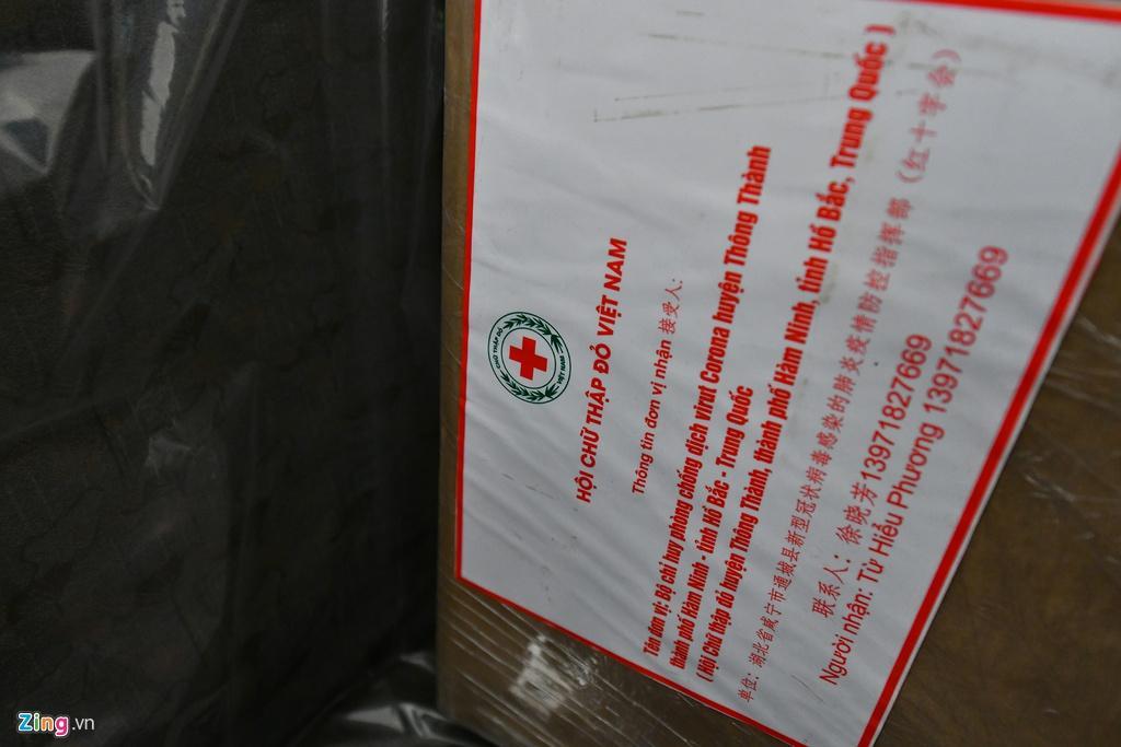 Bên trong máy bay bọc kín nylon chở khách Trung Quốc về Vũ Hán Ảnh 7