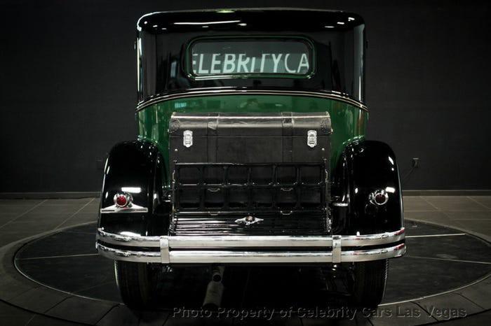Xe Cadillac mui trần chống đạn của ông trùm Al Capone được đấu giá 1 triệu USD Ảnh 1