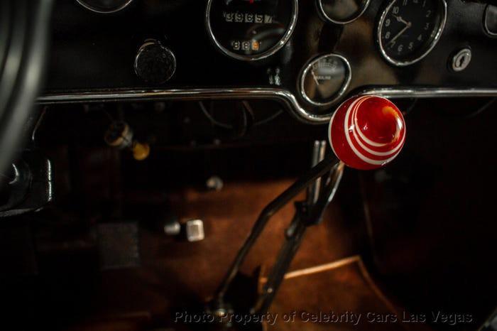 Xe Cadillac mui trần chống đạn của ông trùm Al Capone được đấu giá 1 triệu USD Ảnh 9