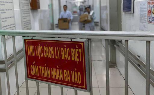 Giám sát, cách ly 2 ca nghi nhiễm Covid-19 tại Hà Nội Ảnh 1