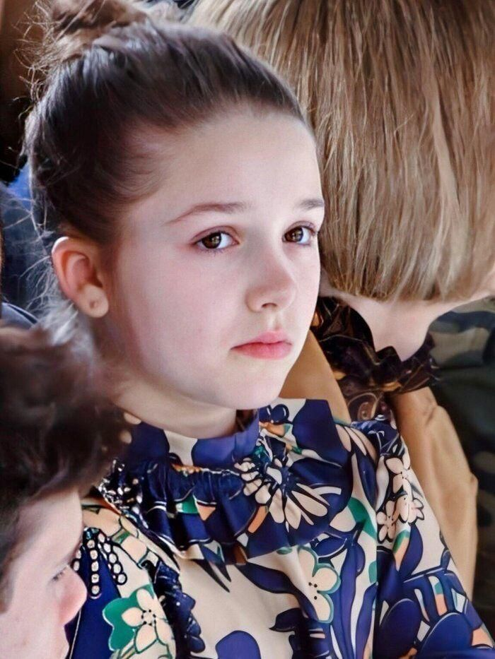 Tiểu công chúa nhà Beckham 'gây sốt' ở Tuần lễ thời trang London Ảnh 9